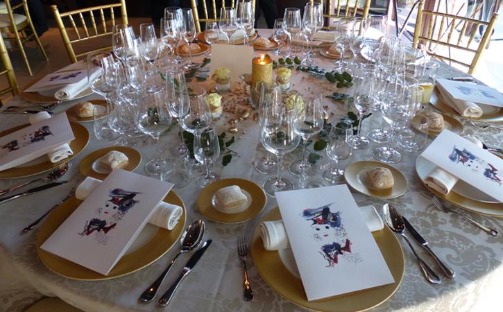 montaje de mesas para banquetes