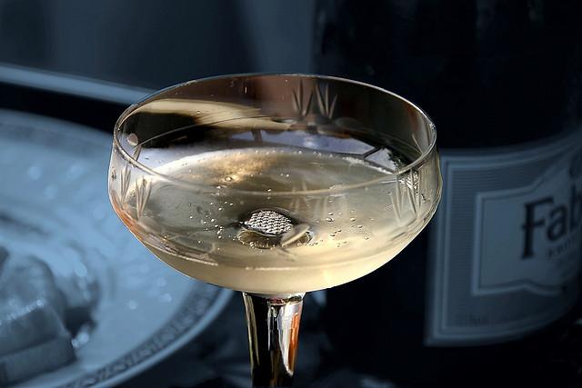 Una copa de champan para dunia montenegro - 3 part 4